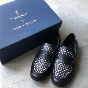 Pour La Victoire stuffed black leather loafer